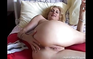 Cougar bonks say no to pussy coupled with ass