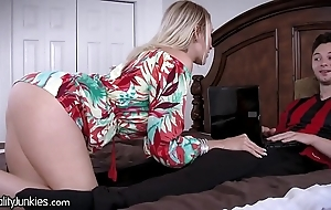 Best Pty cougar mom is starving for my cock!