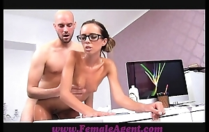 Femaleagent milf receives for everyone oiled off out of one's mind massuse stud