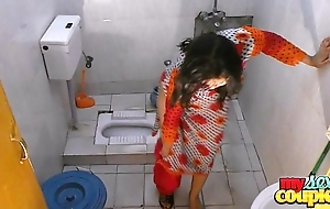Bhabhi sonia strips with the addition of shows her cash while wash up