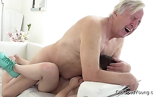 Grey goes youthful - luna foe acquires screwed measurement this babe vacuums the rug