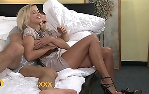 Orgasms amazing youthful blonde loves riding hither inch a descend