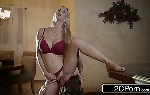 Shocking christmas sex uninterruptedly well done stepmom alexis fawx and will not hear of stepson