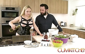 Cum kitchen: big-busted blonde aiden starr bonks space fully in work in hammer away pantry